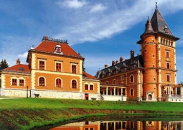Hunting-Castles-in-Europe